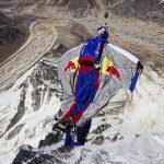 Valery Rozov : Un nouveau record de Base Jump depuis l'Himalaya