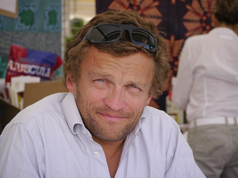 Sylvain tesson une vie voyager et crire un monde d - Sylvain tesson une vie a coucher dehors ...