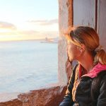 Partez avec Céline, la Globe-Trekkeuse, sur les sentiers autour du monde