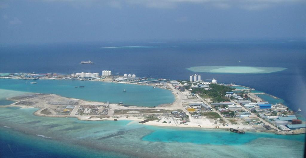 1280px-Thilafushi1[1]