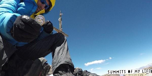 Kilian Jornet hier au sommet de l'Aconcagua (credit Seb Montaz/Summits of My Life) Dans le cadre de son projet Summits of My Life, Kilian Jornet vient d'établir un nouveau record […]