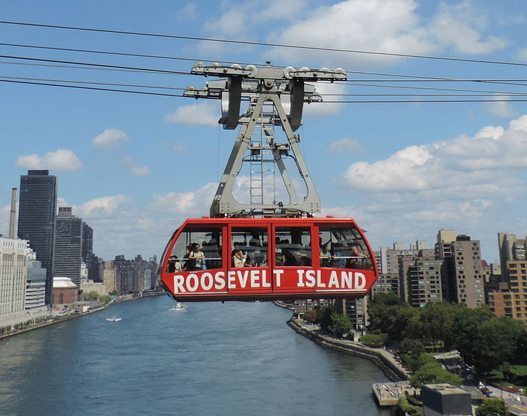 759px-New_Roosevelt_tram_fr_QBB_jeh[1]