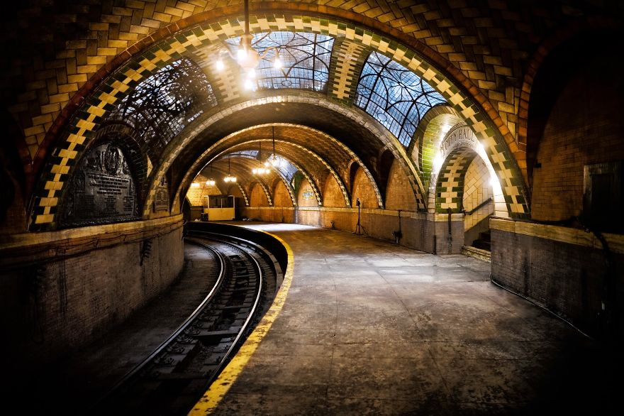 Most-Impressive-Subway-Stations-In-The-World1__880[1]