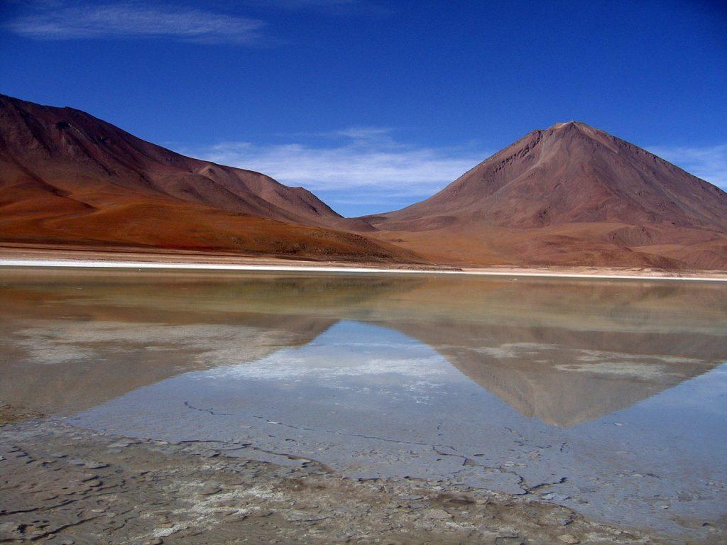 1280px-Laguna_Verde1,_Bolivia[1]