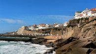 Avec presque deux mille kilomètres de côte qui longent l'océan Atlantique, le Portugal abonde de plages propices à la pratique du surf. Les amoureux de la planche n'ont d'ailleurs que […]