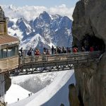 The perfect flight : Passage en Wingsuit sous la passerelle de l'Aiguille du Midi
