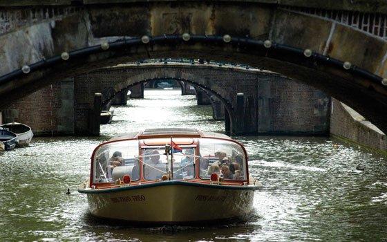 25050_fullimage_Grachten-Bruggen-Amsterdam__7022_560x350[1]