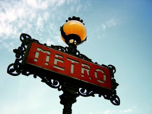 800px-Paris_Metro_Sign
