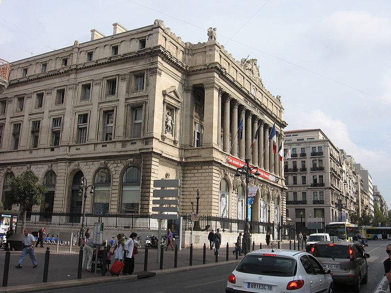 800px-Marseille_Canebière_and_Palais_de_la_Bourse[1]