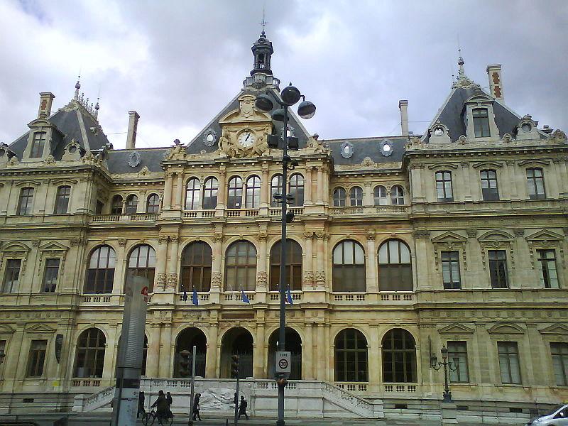 800px-Palais_de_la_bourse