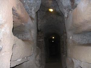 800px-Catacombe[1]