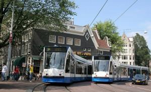 800px-Combino_lijn_1_Spui_Amsterdam