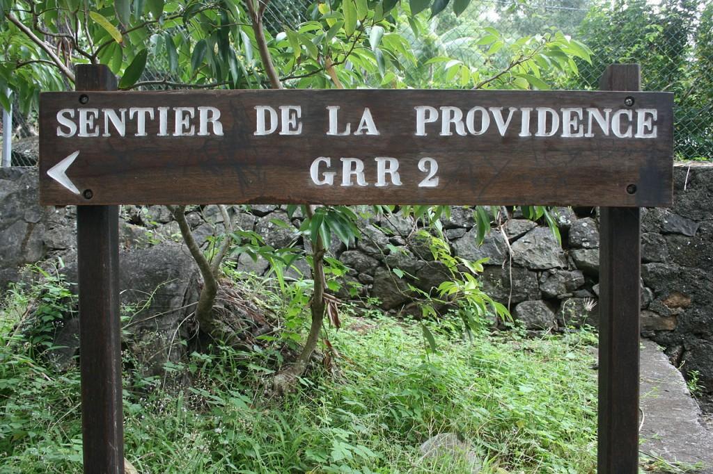 1280px-Sentier-Providence-GRR2[1]