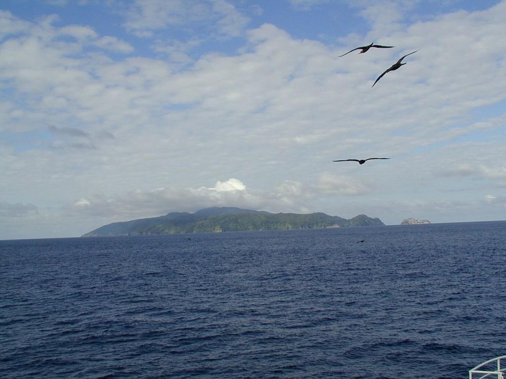 1280px-Cocos_Island_NOAA[1]