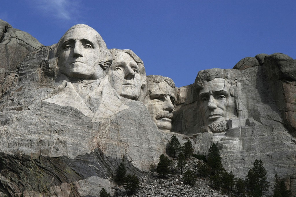 1280px-Dean_Franklin_-_06.04.03_Mount_Rushmore_Monument_(by-sa)-3_new[1]