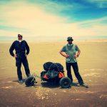 Des aventuriers nous parlent de façon constructive de la tentative de la première mondiale française sur la traversée du Désert de l'Atacama en autosuffisance.