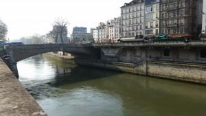 Petit - Pont