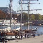 Retour du trois-mâts d'exploration « La Boudeuse » qui fait escale 4 mois à Paris
