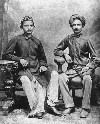Gandhi_and_Sheikh_Mehtab