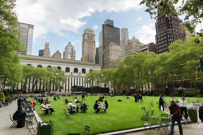 800px-New-York_-_Bryant_Park[1]