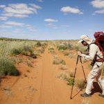 Le belge Louis-Philippe Loncke parcourt 300 km à pied, seul, à travers le désert du Simpson en complète autonomie