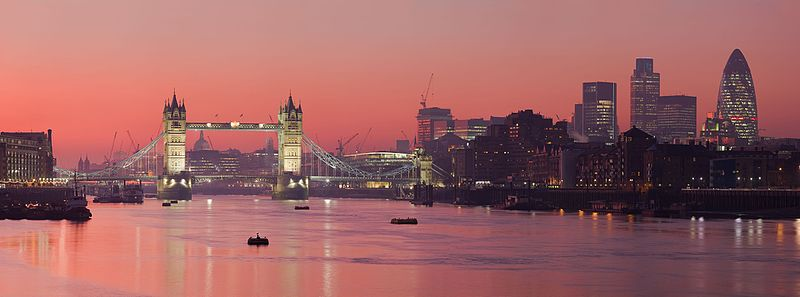 800px-london_thames_sunset_panorama_-_feb_20081