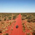 Premières images de l'expédition Solar off-road avec Charles Hedrich dans le désert de Simpson